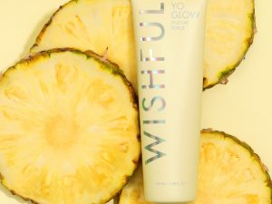 Huda Beauty Wishful | Yo Glow Enzyme Scrub 100ml