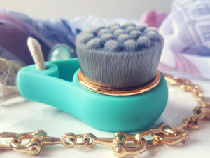 Bamboo Charcoal Facial Cleansing Brush